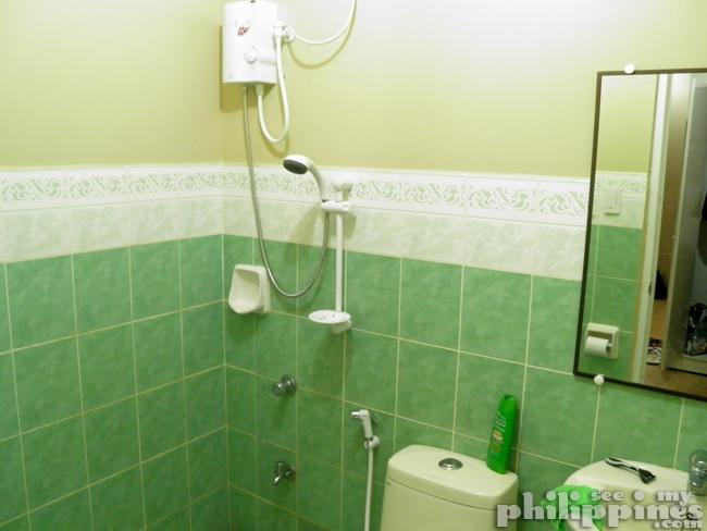 Hotel Surla Angeles City Philippines Bathroom