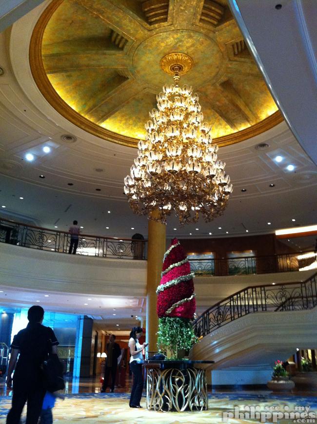 Shangri La Makati Lobby