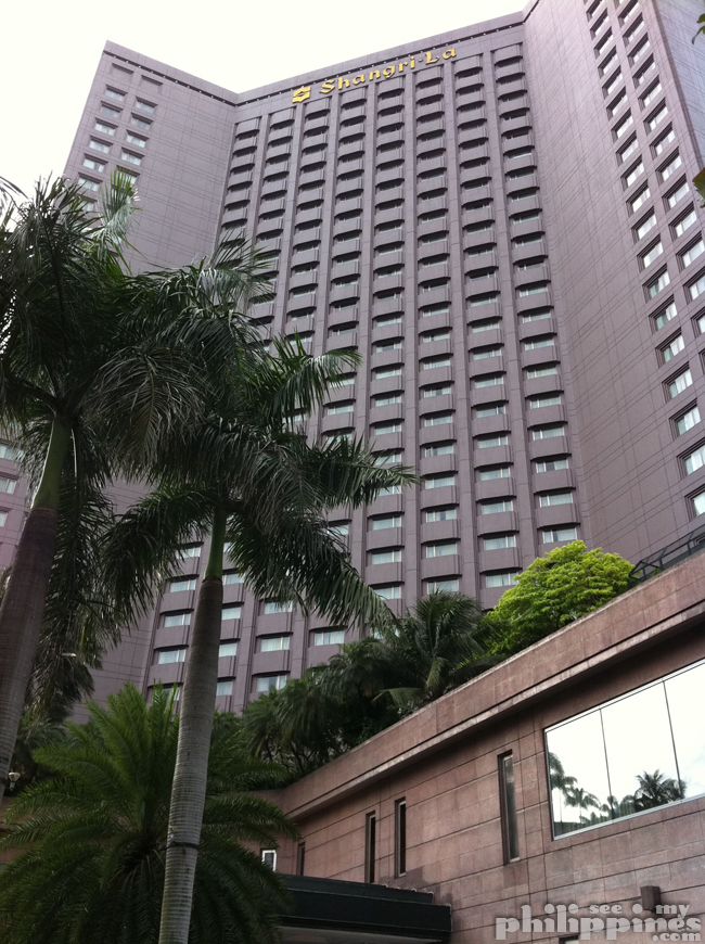 ShangriLa Makati Outside Front